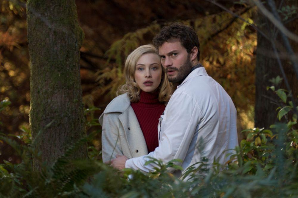 В драматическом триллере «Девятая жизнь Луи Дракса» (2016) сыграл доктора Аллана Паскаля.