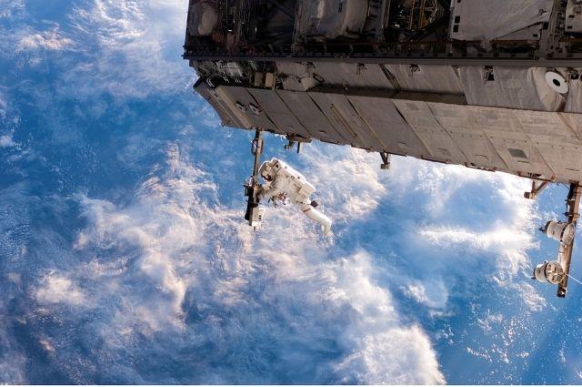 Через специальный космический телескоп можно следить за тем, что происходит в любой точке Земли.