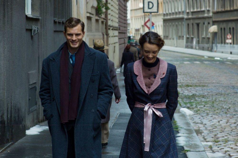 Джейми Дорнан в фильме британского режиссера Шона Эллиса, основанном на реальных событиях, «Антропоид» (2016).