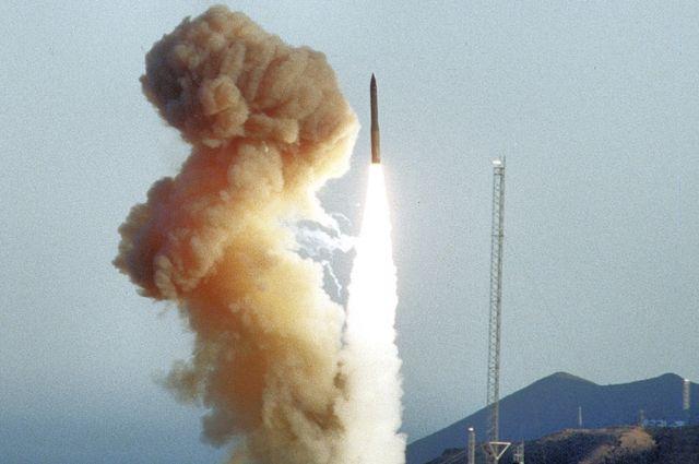 США испытают межконтинентальную баллистическую ракету — СМИ