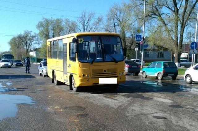 НаСтаврополье шофёр школьного автобуса насмерть сбил пенсионерку