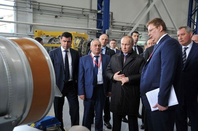 На рыбинском предприятии Владимиру Путину рассказали о производстве корабельных газотурбинных двигателей.