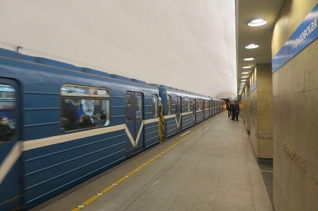Ночной поезд запустят в метрополитене Петербурга с 30 апреля
