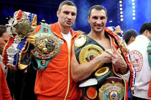 Владимир и Виталий Кличко вошли в топ-20 лучших тяжеловесов в истории