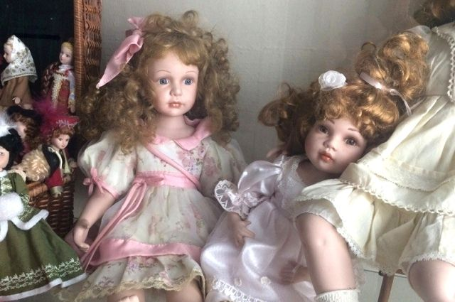 Некоторые игрушки были украшением интерьера, их не давали детям.