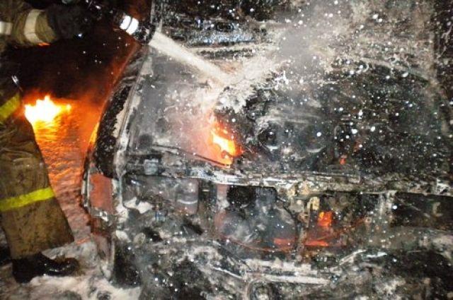 Грузовой автомобиль МАЗ и«Лада-Гранта» сгорели минувшей ночью