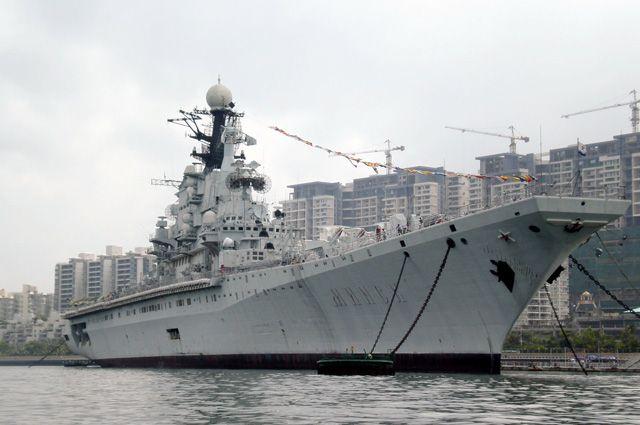 Крейсер «Минск» в Китае.