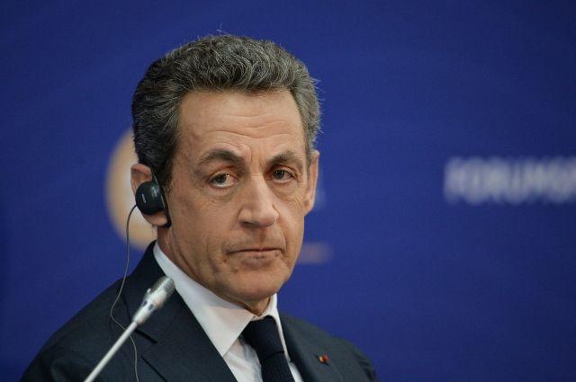 Саркози призвал избирателей голосовать против Марин Ле Пен