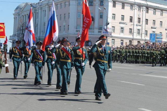 Световое оформление Нижнего Новгорода коДню Победы готово на60 процентов