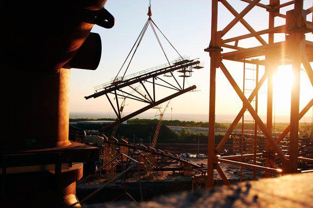 Сборку купола «Самара Арены» ускорят при помощи нового крана грузоподъемностью 350 тонн