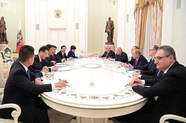 Путин принял в Кремле руководителя канцелярии ЦК Компартии Китая