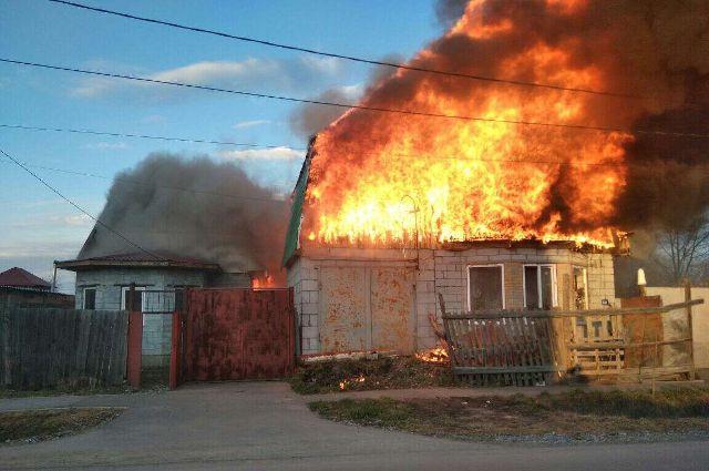В горевшем доме на Совхозной было четыре газовых баллона