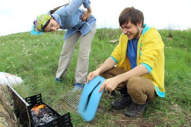 Разводить огонь для приготовления пищи допускается в мангалах и жаровнях.