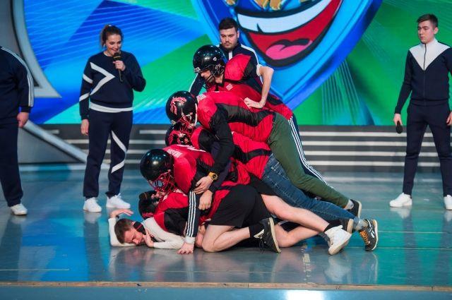 Костяк команды составляют игроки Чемпионата КВН Прикамья, которому в этом году исполняется 20 лет.