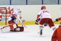 Хоккеист из Калининграда Максим Жуков назван лучшим вратарем юниорского ЧМ.