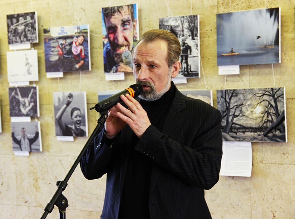 Председатель жюри Олег Самарцев отметил гуманистическую направленность большинства работ