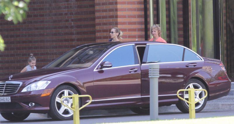 Светлана Лобода ездит на вишневом Mercedes S-класса