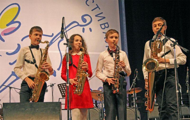 Джазовый фестиваль – это пространство, где встречаются юные талантливые музыканты из разных стран и маститые джазмены, вырастившие несколько поколений молодых исполнителей.