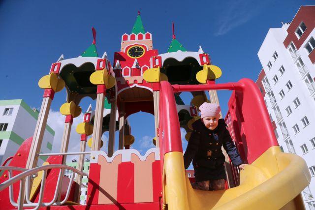 Спасатели помогли жительнице Балтийске, которую на балконе закрыл ребенок.