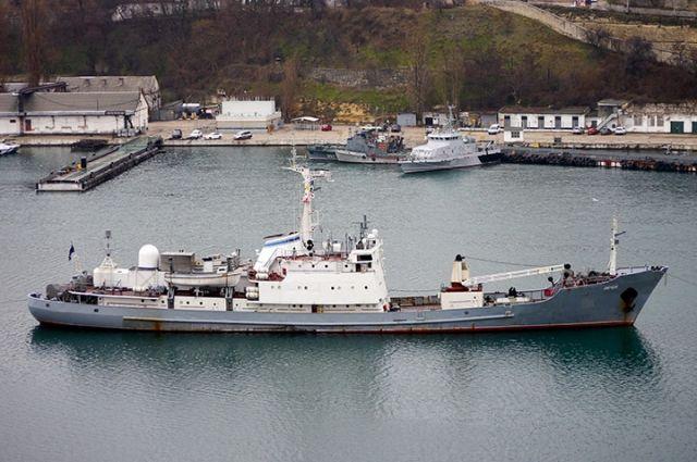 Экипаж затонувшего вЧерном море судна «Лиман» спасен— МинобороныРФ