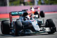 Льюис Хэмилтон принимает участие в гонке на российском этапе «Формулы-1». 2016 г.