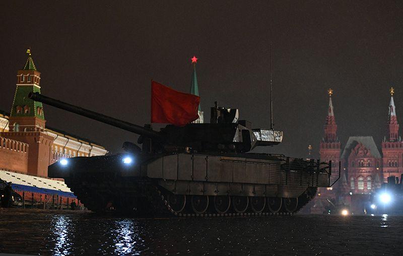 Танк Т-14 «Армата» на репетиции парада Победы на Красной площади.
