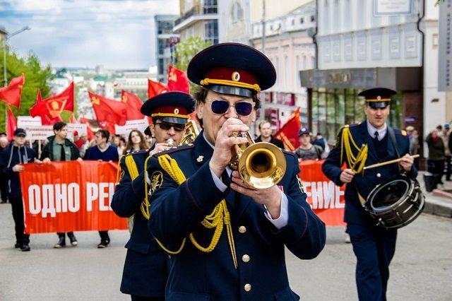 По центральным улицам пройдет праздничное шествие