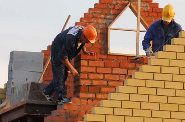 На Ямале львиная доля инвестиций идет на строительство зданий и сооружений.