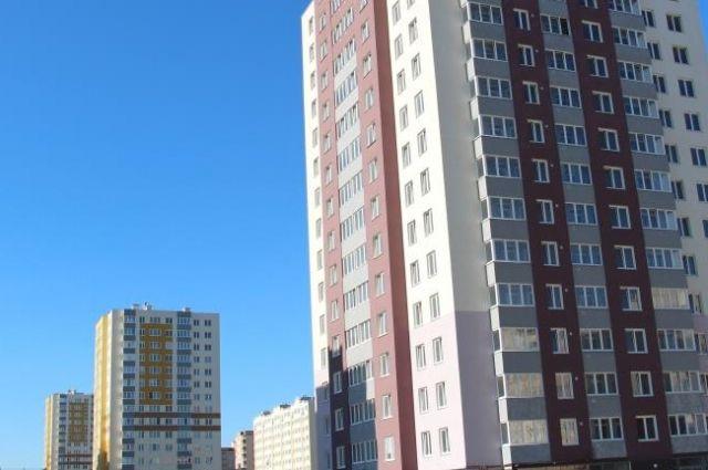 С 7 этажа дома в Светлогорске упали двухлетние брат с сестрой.