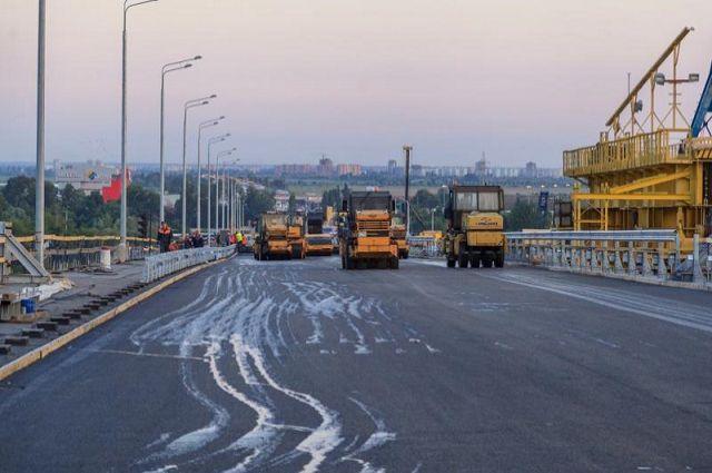 Стало известно, кто будет чинить дороги вПетербурге в 2017-ом году