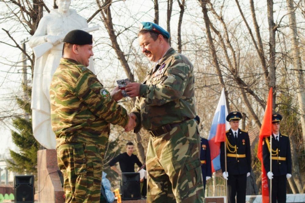 Среди участников автопробега - представители Российского союза воинов Афганистана.
