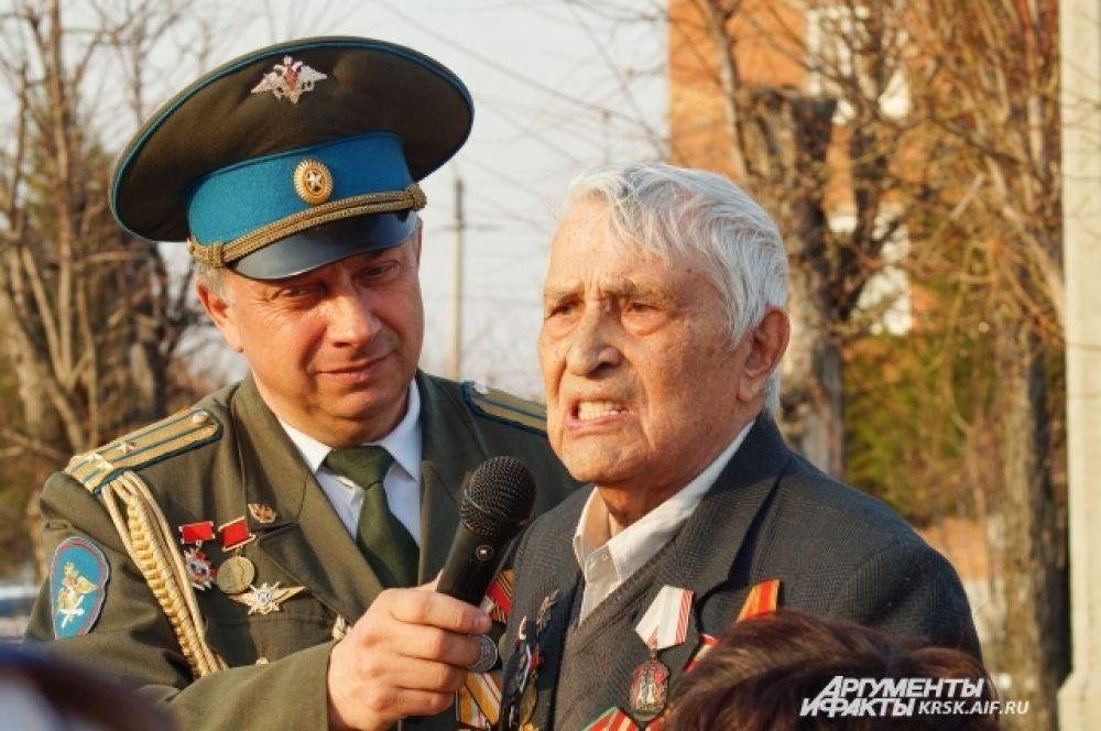 Ветеран делится воспоминаниями о том нелегком времени, которое выпало на долю его поколения.