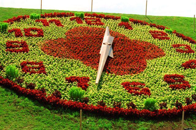 Цветочные часы на Поклонной горе в 2001 г.