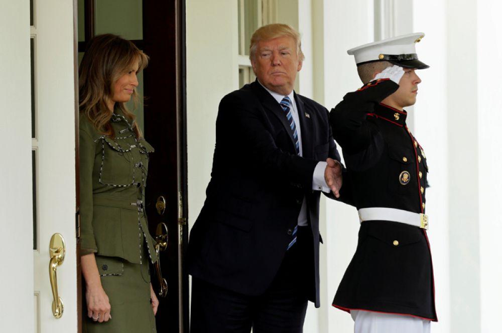 27 апреля. Президент США Дональд Трамп перед встречей с президентом Аргентины Маурисио Макри в Белом доме в Вашингтоне.