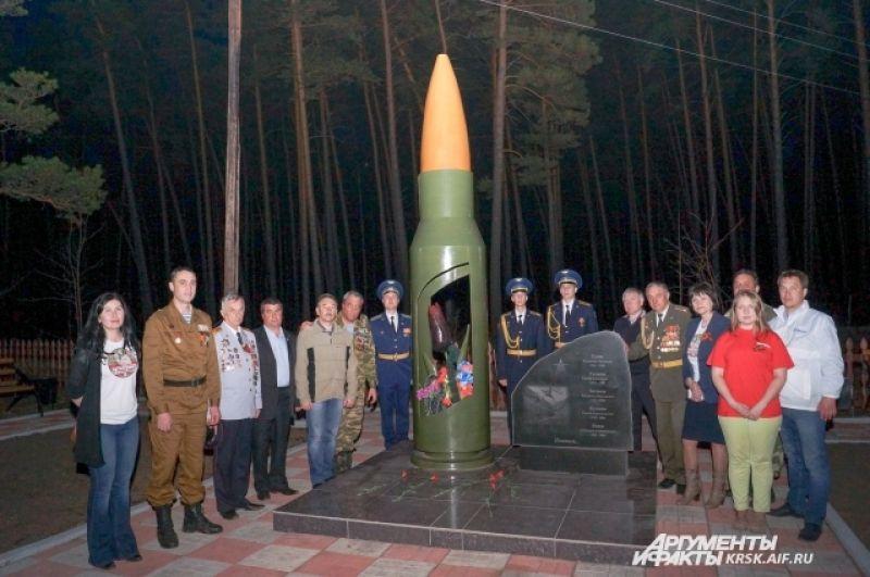 Памятник солдатам из Тюхтетского района, погибшим в Афганистане и на Кавказе.