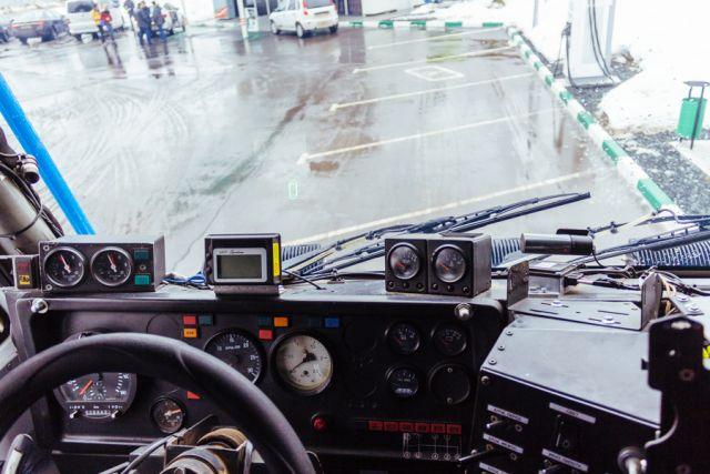 На Ямале за долги арестовано 4 грузовика.