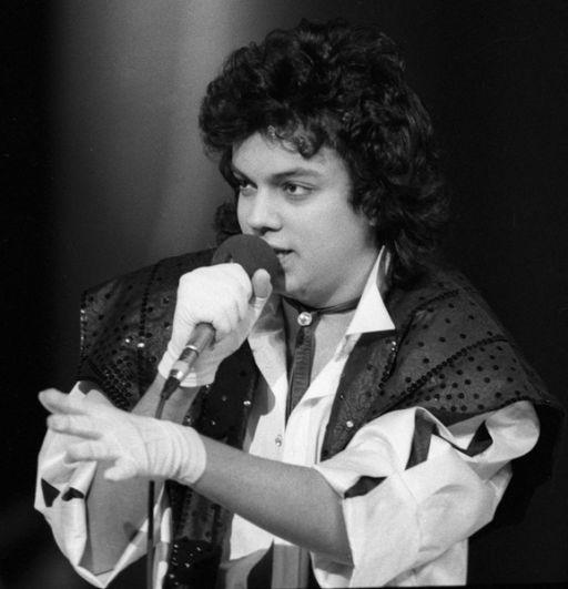 1988 год. Солист Ленинградского мюзик-холла Филипп Киркоров выступает на концерте.