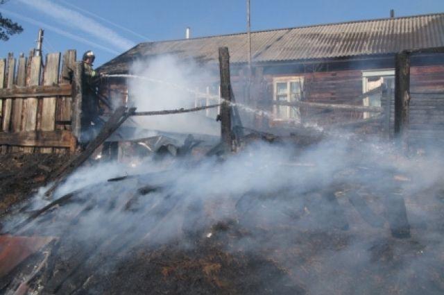 В поселке под Иркутском пожар уничтожил 50 домов