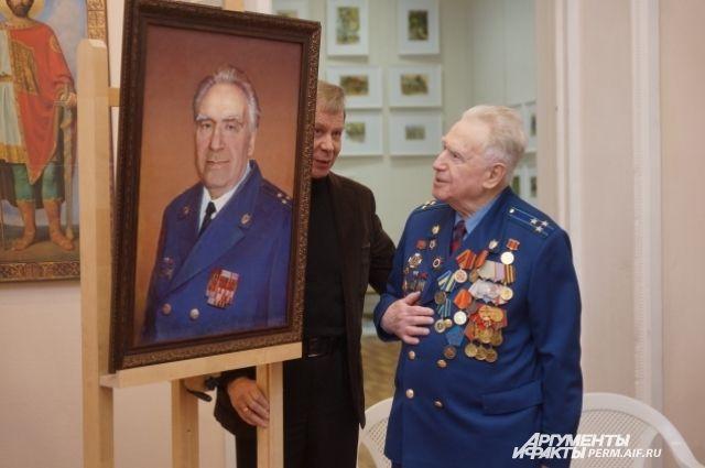 Портрет Якова Трегубова написал Георгий Сметанин, директор художественного училища.