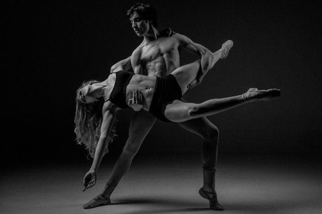 Танец - не просто набора движений под музыку, наши героини уверены, что это - сама жизнь.