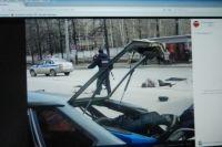 Сначала машина врезалась в троллейбус.