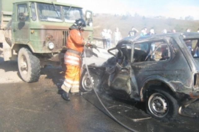 ВНижегородской области шофёр «Нивы» попал вДТП исгорел живьем