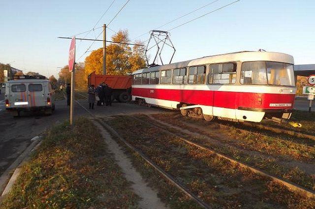 ВКиеве трамвай насмерть переехал женщину