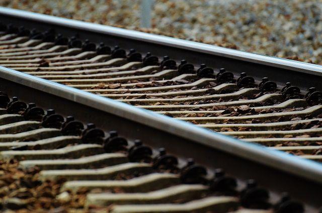 ВТульской области легковушка выехала на ж/д пути прямо перед поездом