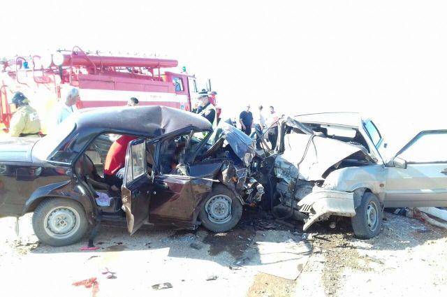4  человека разбились насмерть в трагедии  под Оренбургом