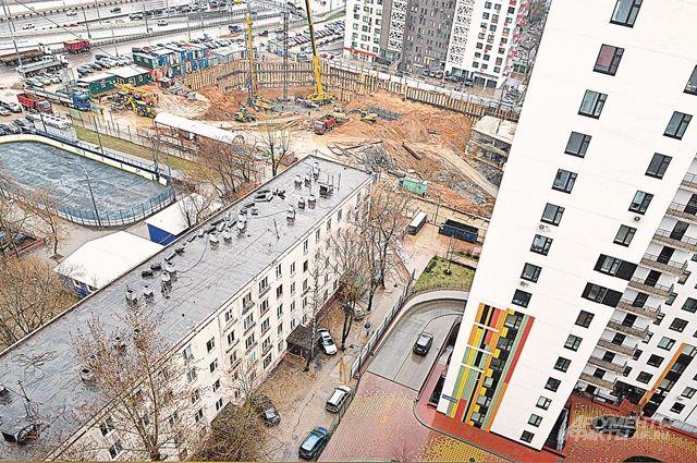 На пяти экспериментальных площадках в районах, где жители поскорее хотят переехать из ветхих домов, построят пилотные кварталы.