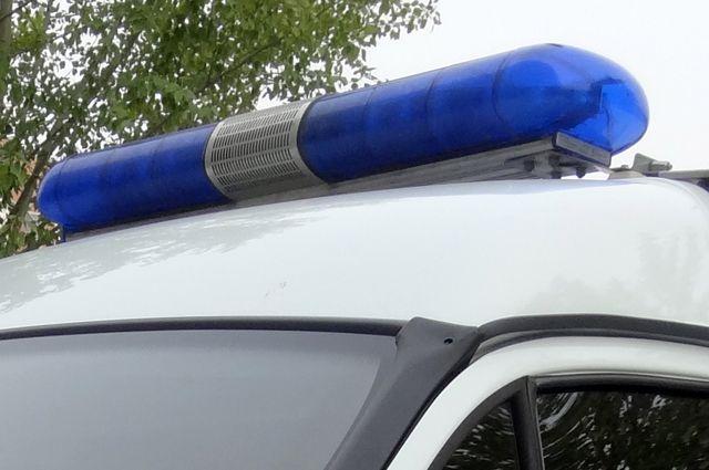В ДТП с тремя автомобилями разбираются полицейские.