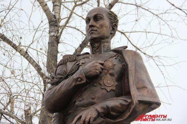 Памятник М.М. Сперанскому в Иркутске.
