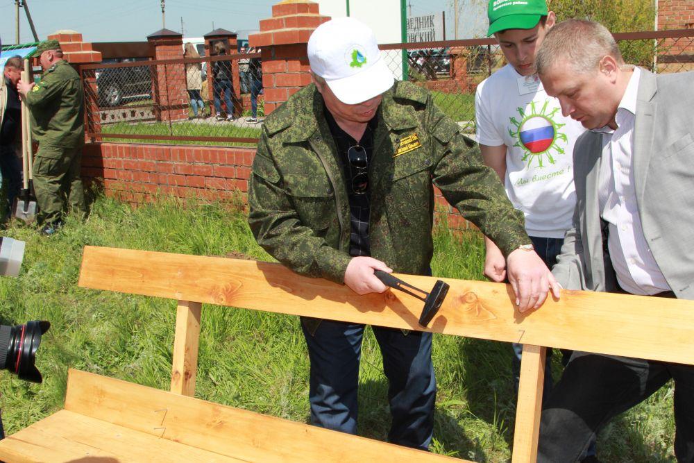 Губернатор Ростовской области Василий Голубев на экологическом субботнике.