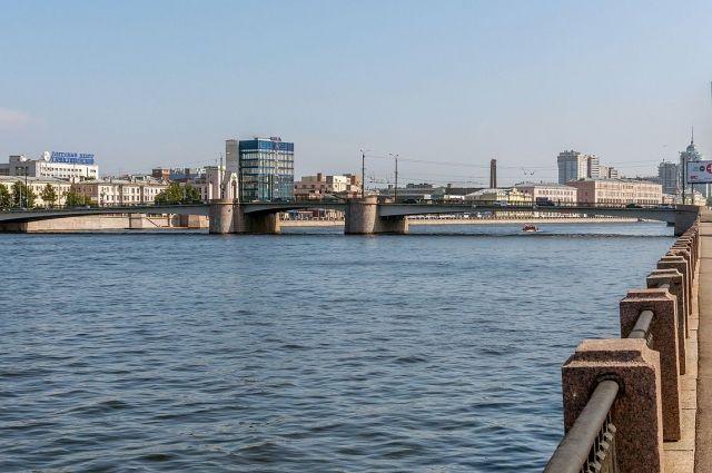 Два моста через Большую Невку разведут вночь насреду